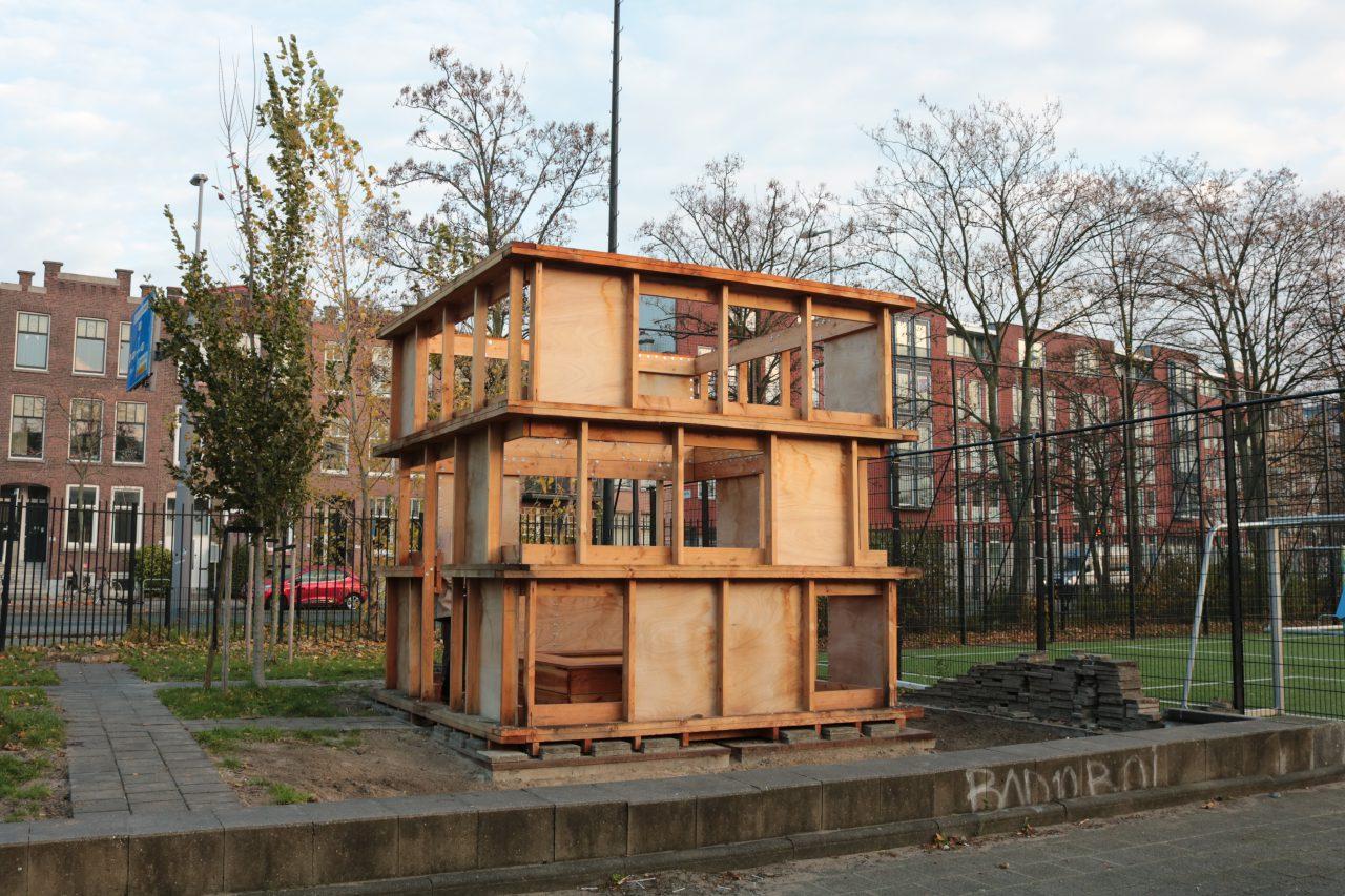 Het eerste prototype van het impluvium op het Henegouwerplein.